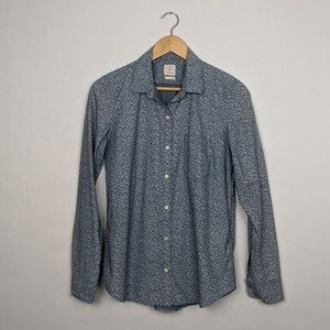 GAP Fitted Boyfriend Long Sleeve Button Down Up